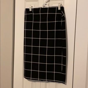 Express black and white pencil skirt size 6